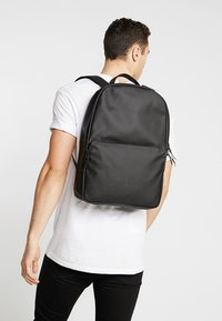 Rains - FIELD BAG - Mochila - black - 1