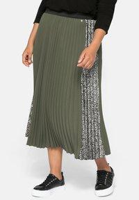 Sheego - A-line skirt - dunkelkhaki - 0