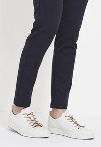 ECCO - SOFT 8 - Sneakersy niskie - white - 0