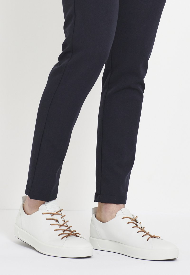 ECCO - SOFT 8 - Sneakersy niskie - white