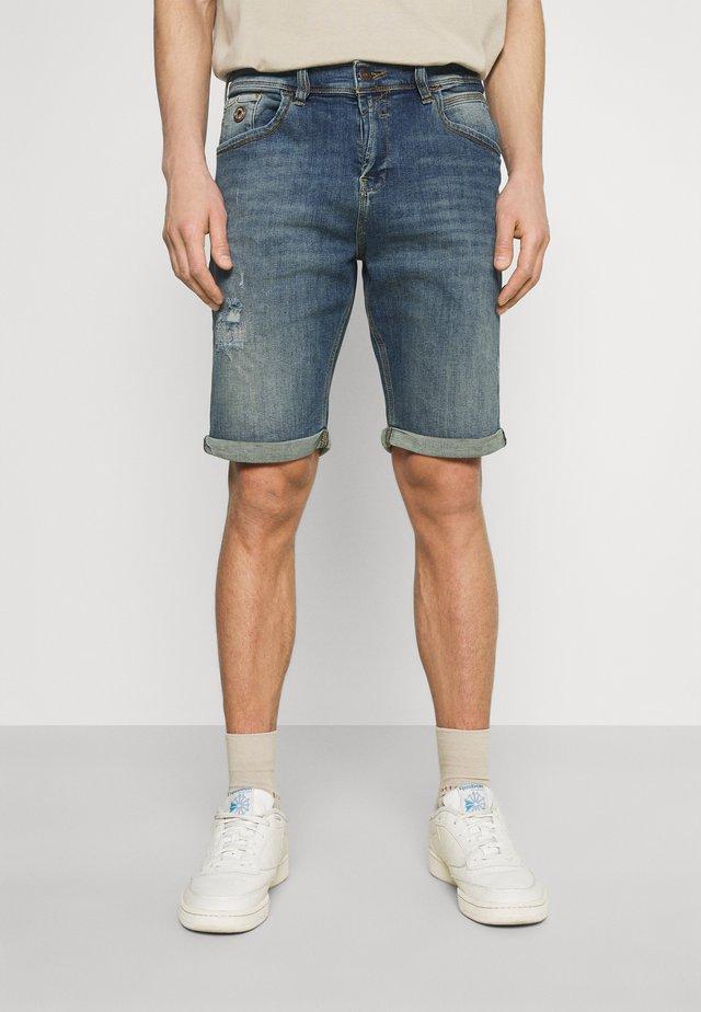 LANCE - Denim shorts - leporis wash