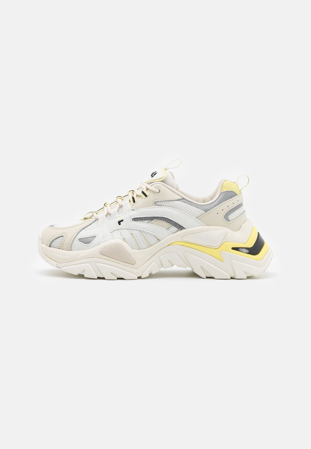 ELECTROVE  - Trainers - marshmallow