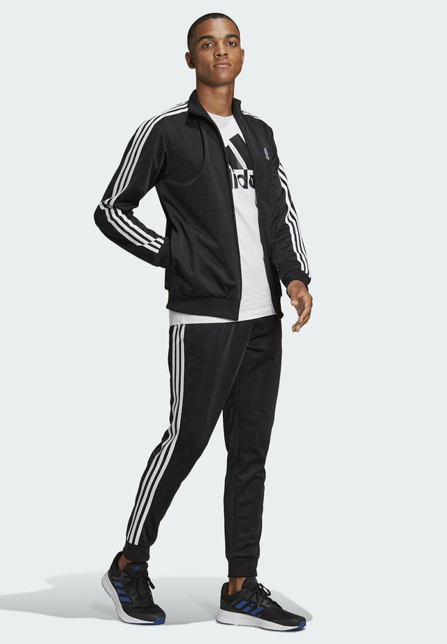 Tracksuit - top:black/white bottom:black/white