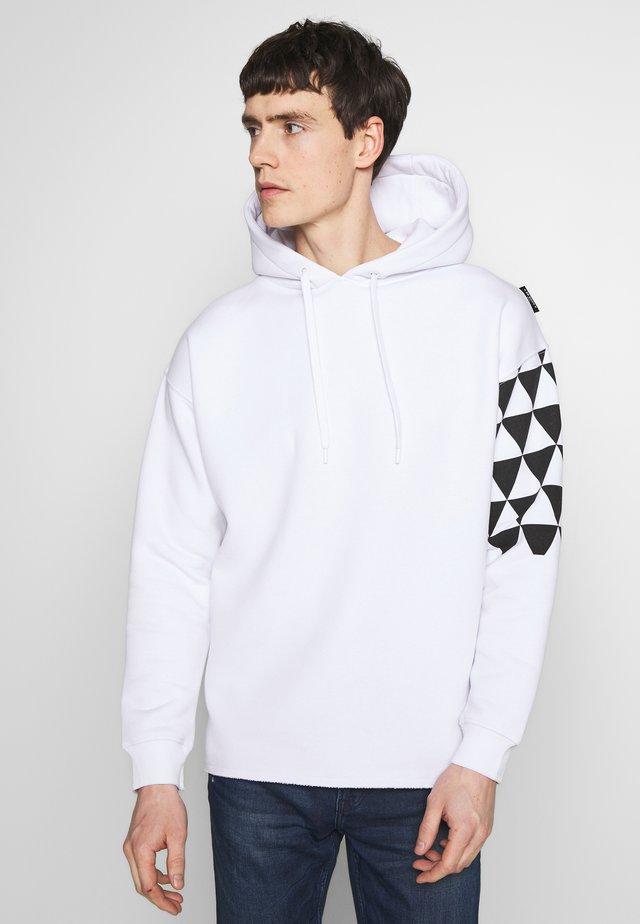 BEADRIAN - Bluza z kapturem - white