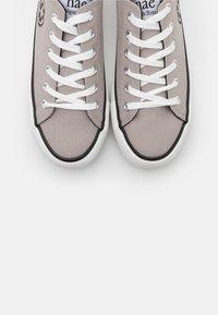 NAE Vegan Shoes - RECLAIM VEGAN - Tenisky - grey - 5