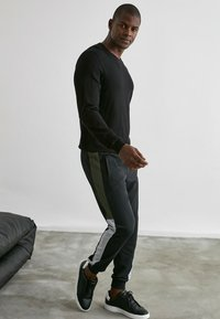 Trendyol - Pantalons outdoor - black - 4