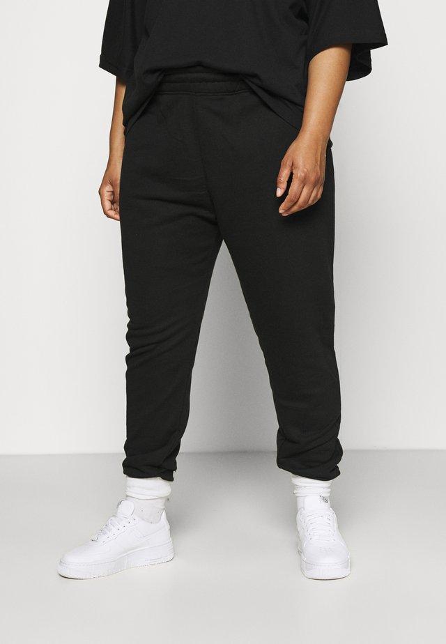 PLUS SIZE TEE SET - Pantaloni sportivi - black