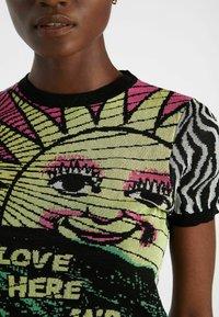 Desigual - ZEBRA  - Print T-shirt - black - 3