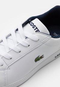 Lacoste - GRADUATE  - Tenisky - white/navy - 5