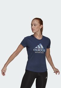 adidas Performance - RUN FOR THE OCEANS GRAPHIC - T-shirts med print - blue - 0