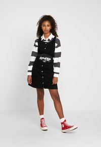 Levi's® - SIENNA DRESS - Dongerikjole - black book - 1