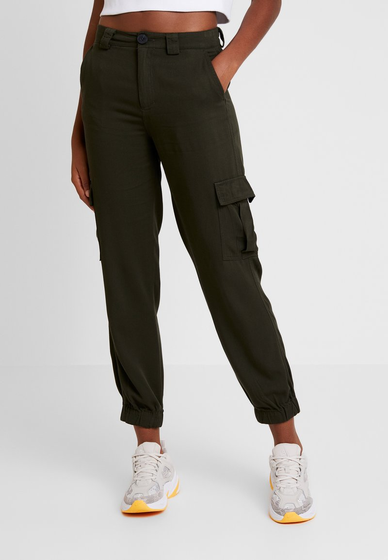 ONLY - ONLLEA CARGO PANT - Trousers - kalamata