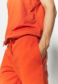 The North Face - SUMMER SHORT - Pantalón corto de deporte - burnt ochre - 3