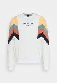 Kaotiko - CREW SEATTLE UNISEX - Sweatshirt - white - 0
