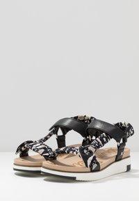 Sam Edelman - ASHIE - Sandály na platformě - black/multicolor - 2
