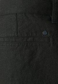 NN07 - CROWN - Shorts - black - 4