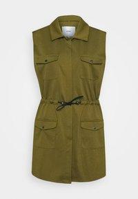 IHKATE SPORT - Waistcoat - fir green