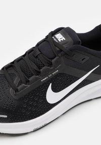 Nike Performance - AIR ZOOM STRUCTURE 23 - Stabile løpesko - black/white/anthracite - 5