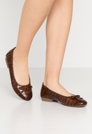 Ballet pumps - chestnut