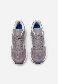 Mizuno - WAVE INSPIRE 16 - Stabilní běžecké boty - frost gray/cloud/princes - 3