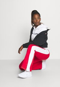Champion - ESSENTIAL HOODED LEGACY - Jersey con capucha - white - 1