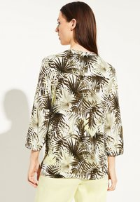comma casual identity - Blouse - white leaf - 2