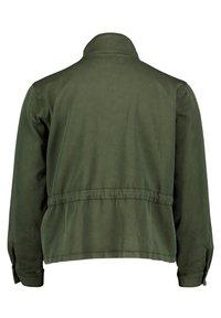 Cartoon - Light jacket - dunkelgrün - 4