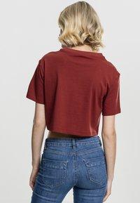 Urban Classics - Basic T-shirt - red - 1