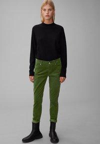 Marc O'Polo - ALBY SLIM - Trousers - lush pine - 1