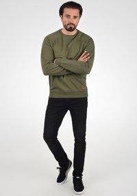 Blend - SWEATSHIRT ALEX - Sweatshirt - ivy green - 1