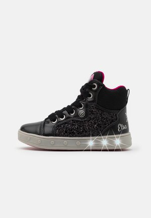 DISNEY FROZEN SKYLIN GIRL - High-top trainers - black/fuchsia