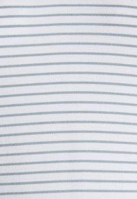 Cotton On - MATERNITY EVERYDAY KARLY SHORT SLEEVE - T-shirt basic - white/chinois green - 2