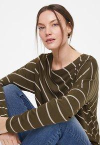 comma casual identity - Long sleeved top - khaki diagonal stripes - 4