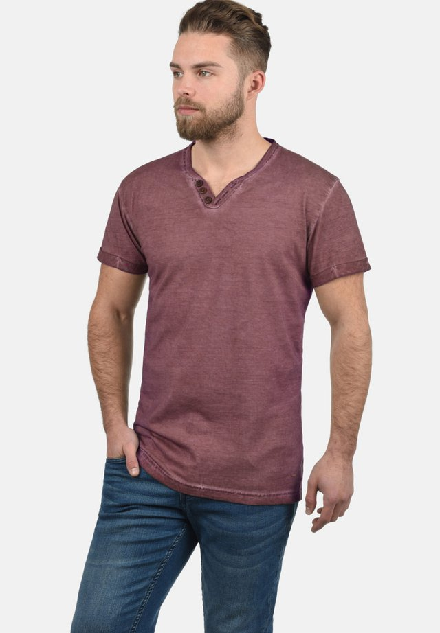 TINO - Basic T-shirt - wine red