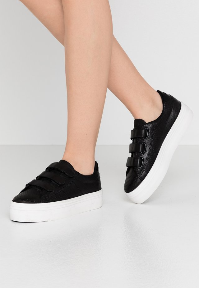 PLATO STRAPS - Sneakers basse - black/fox white