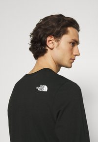 The North Face - SHOULDER LOGO TEE - Long sleeved top - black - 3