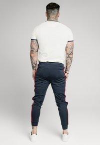 SIKSILK - PREMIUM RINGER GYM TEE - Basic T-shirt - off white - 2