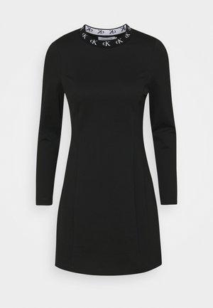 LOGO TRIM MILANO DRESS - Sukienka z dżerseju - black