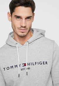 Tommy Hilfiger - LOGO HOODY - Hoodie - grey - 3