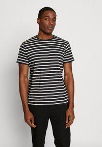 Esprit - Print T-shirt - black - 0