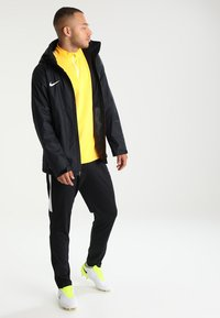 Nike Performance - ACADEMY18 - Regnjacka - black/black/white - 1