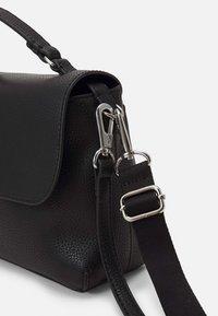 Calvin Klein Jeans - MINI TOP HANDLE - Kabelka - black - 2