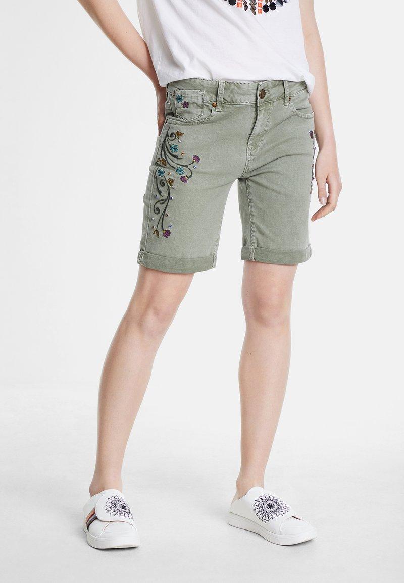 Desigual - Short en jean - green