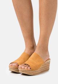 Copenhagen Shoes - SISSEL - Heeled mules - cognac - 0