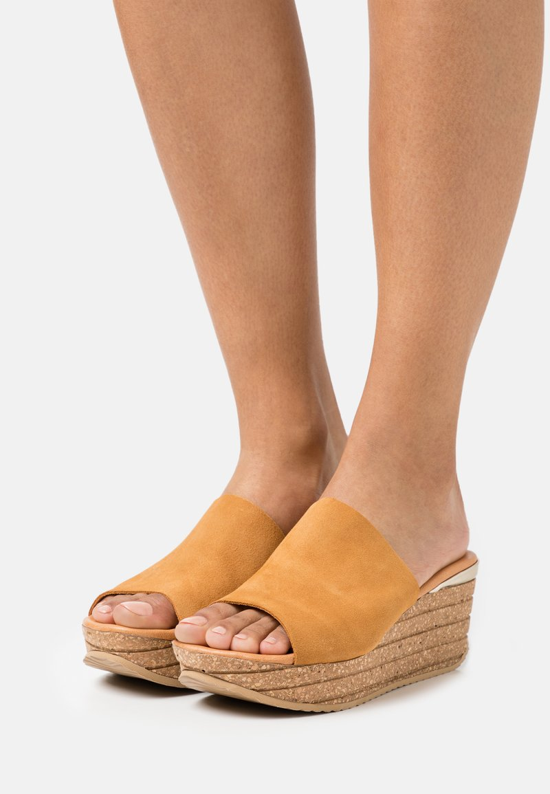 Copenhagen Shoes - SISSEL - Heeled mules - cognac