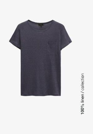MIT TASCHE  - Basic T-shirt - blue