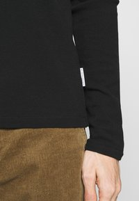 NN07 - CLIVE - Camiseta de manga larga - black - 5