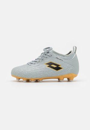 SOLISTA 700 IV FG JR UNISEX - Botas de fútbol con tacos - vapor gray/all black/light platino