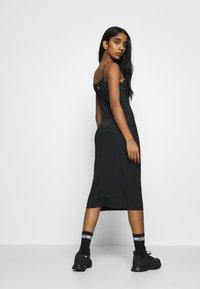 Champion Reverse Weave - DRESS - Denní šaty - black - 2