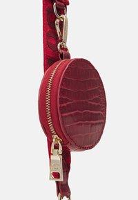 Steve Madden - BURGENTL SET - Handbag - red - 5